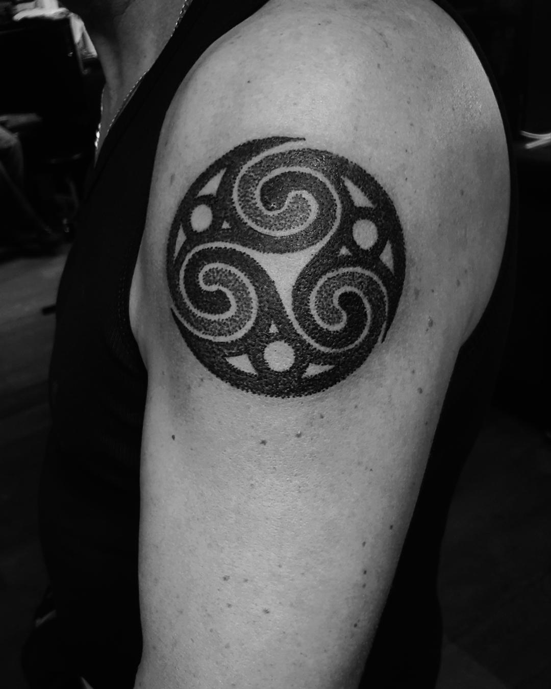 Celtic Mandala Tattoo On Shoulder.